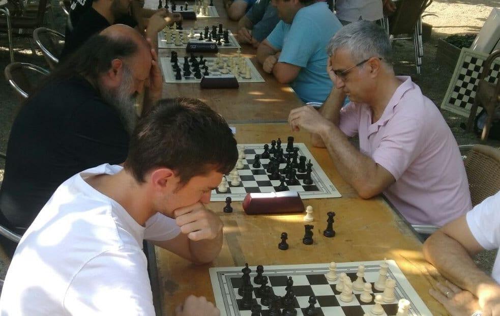 Mis mejores partidas de ajedrez. Alex Borrás jugando