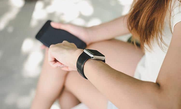 Tendencias tecnológicas. Reloj inteligente. Cámara deportiva. Gaming