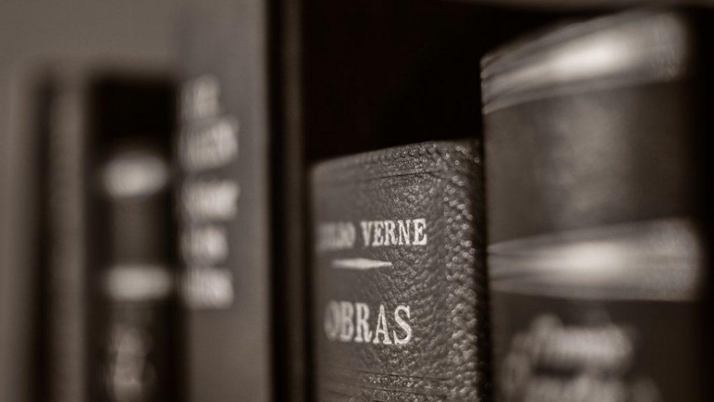 Julio Verne. Ciencia-ficción. Foto del libro
